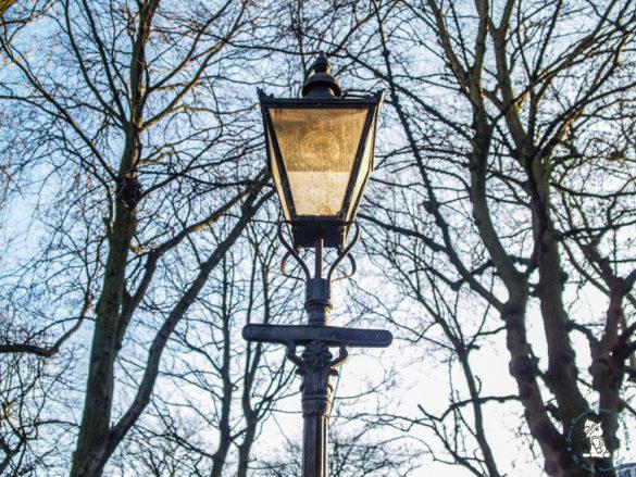 city-light-at-edinburgh