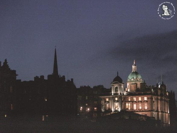 Edinburgh-night-old-town