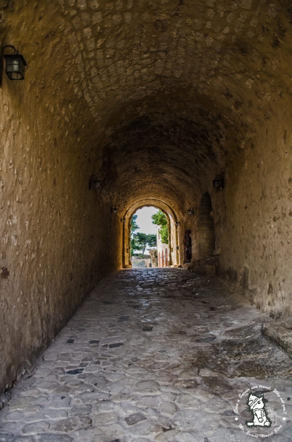 Είσοδς-στο-φρούριο