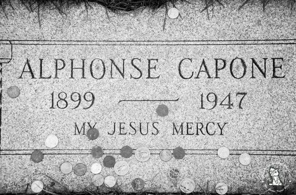 Alphonse-Capone-grave2